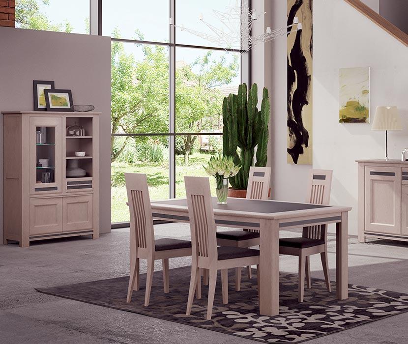 Buffet, chaises et table de salle à manger chez Gaigneux au sud de Rennes